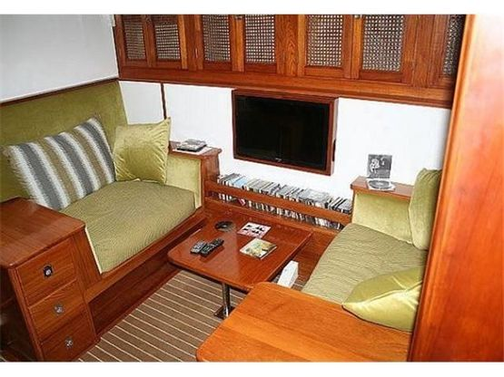 pilothouse ketch yacht interior sapce