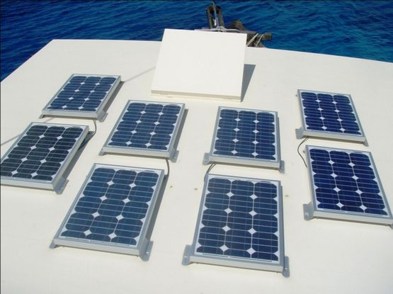 tour dive boat solar power