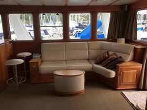 Watson 72 Expedition Motor Yacht salon